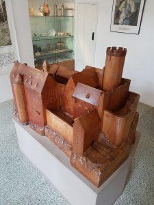 Modell der Burg Gnandstein im Museum